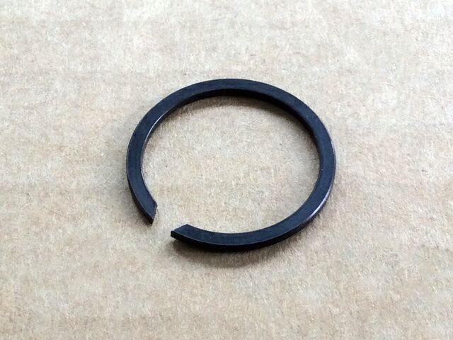 060752 Norton Commando clutch location circlip - Classic Bike Spares