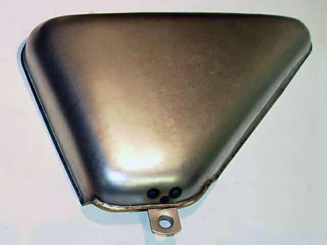 063504 Norton Commando Roadster side cover right hand, steel